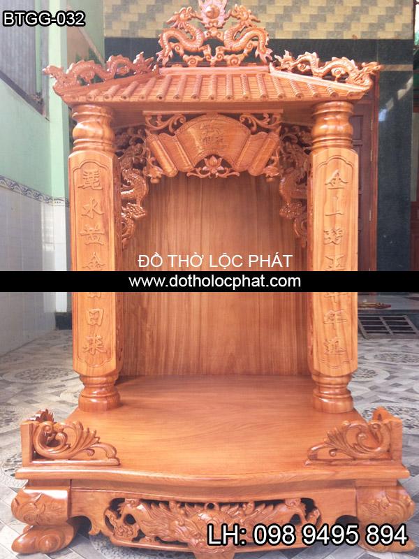 bàn thờ thần tài ông địa cột khắc chữ siêu đẹp và mái ngói siêu vip