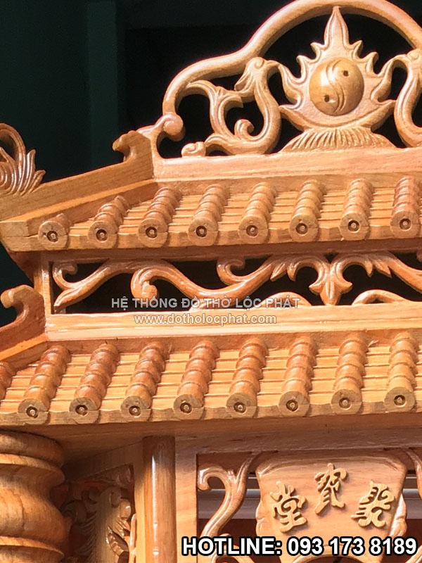 mái ngói bàn thờ thần tài được chăm chút tỉ mỉ lộ đường viền đẹp - thẩm mỹ. bàn thờ ông địa ngang 60