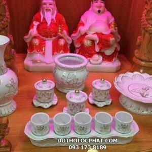 bộ đồ thờ bằng sứ trên bàn thờ thần tài đẹp tại hcm