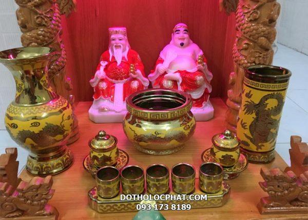 bộ sứ in rồng vàng 3d đẹp trên bàn thờ thần tài