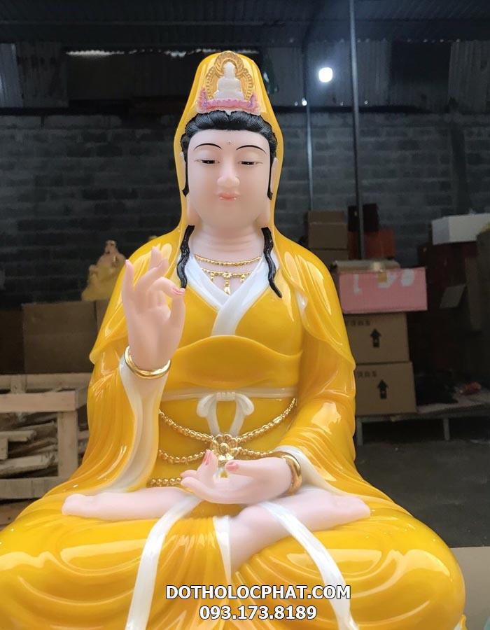 tượng mẹ quan âm màu vàng đẹp tại hcm