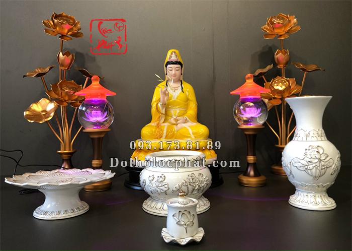 Tượng Phật Bà Quan Thế Âm Bồ Tát màu vàng hổ phách