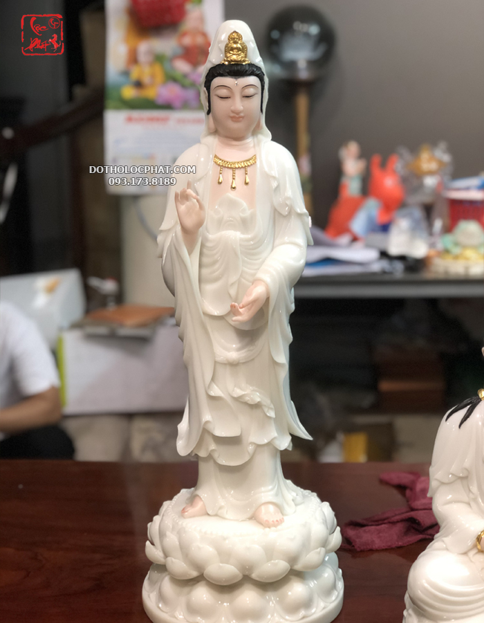 tượng quan âm đứng bằng đá trắng đẹp