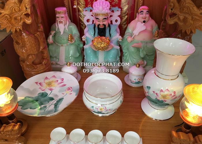 bộ đồ thờ bằng sứ trắng sen hồng đẹp