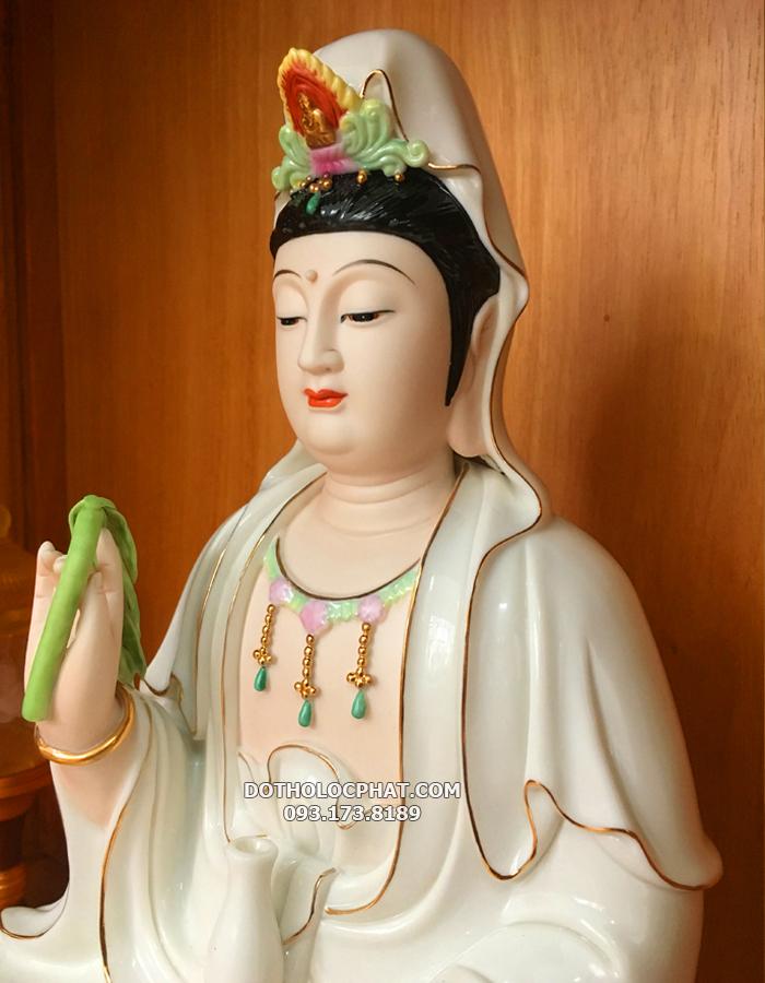 tượng Phật Bà Quan Âm bằng sứ trắng viền vàng đẹp