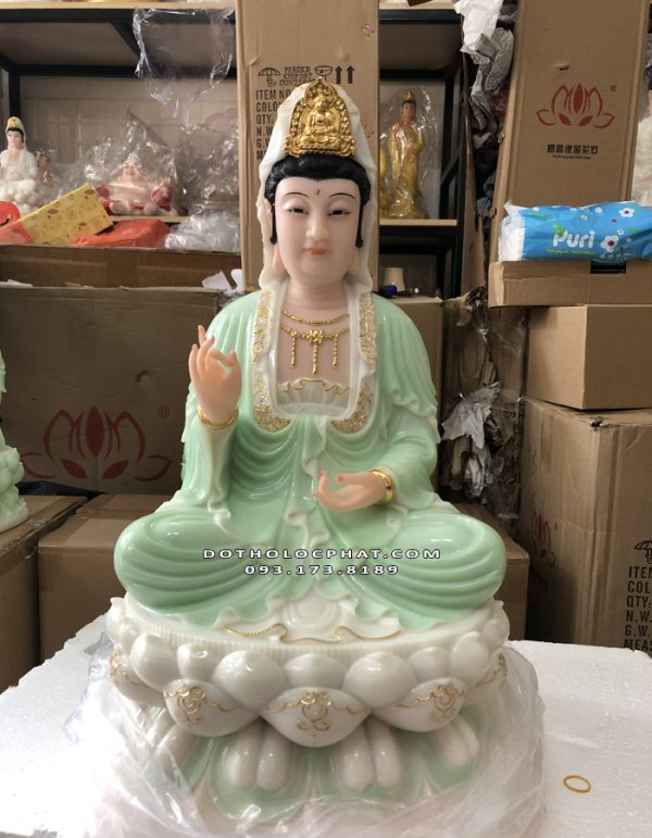 tượng mẹ quan âm bằng đá xanh ngọc viền vàng