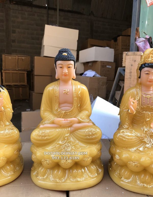tuong-tay-phuong-tam-thanh-bang-da-vang-thach-anh-dep-tai-hcm-3