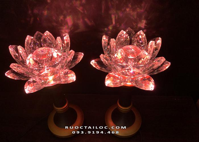 đèn hoa sen thủy tinh thờ phật đẹp nhất