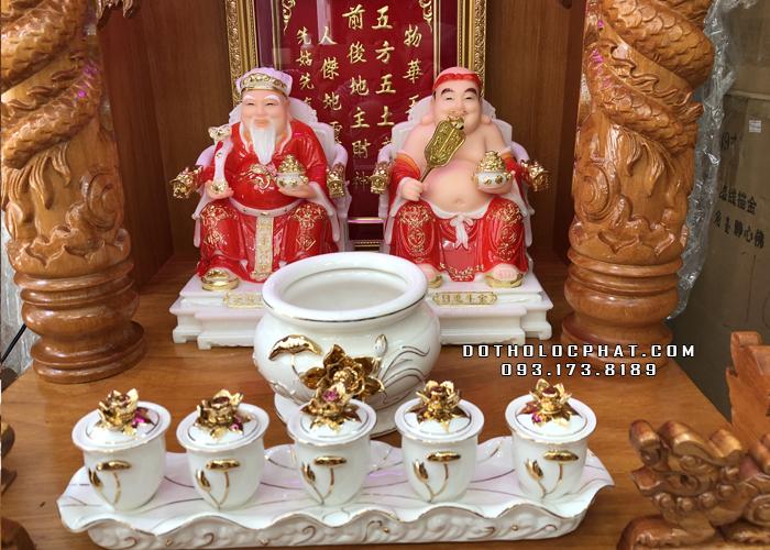 trọn bộ bàn thờ ông địa thần tài bằng đá đỏ tay rồng bộ sứ trắng đẹp