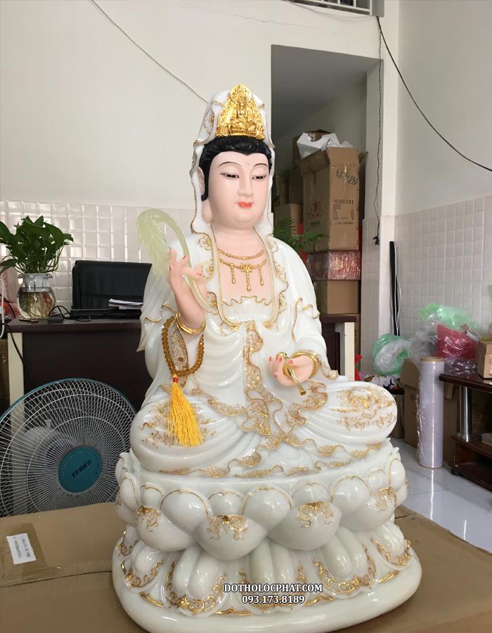 Hiện tôn tượng đang có sẵn tại kho của Lộc Phát, quý khách có thể chọn đặt hàng hoặc liên hệ trực tiếp qua điện thoại để được tư vấn chi tiết