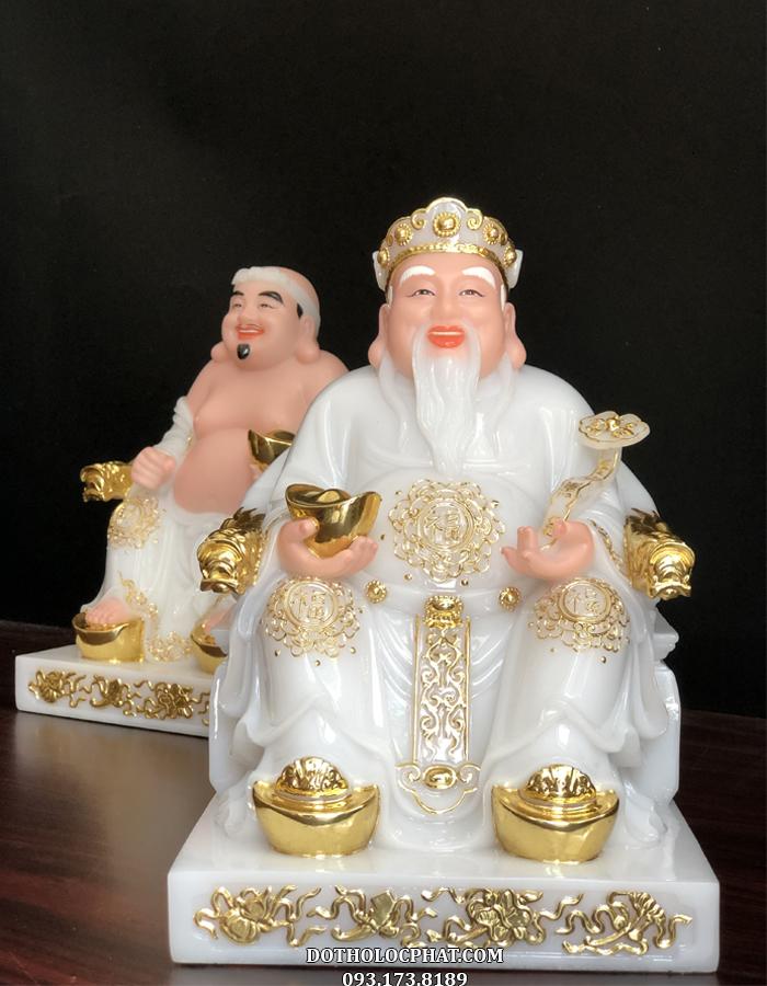 Tượng Ông Địa Thần Tài bằng đá trắng là một trong những bộ tượng Ông Địa Thần Tài mới của Lộc Phát được đánh giá cao về thần thái và tính thẩm mỹ