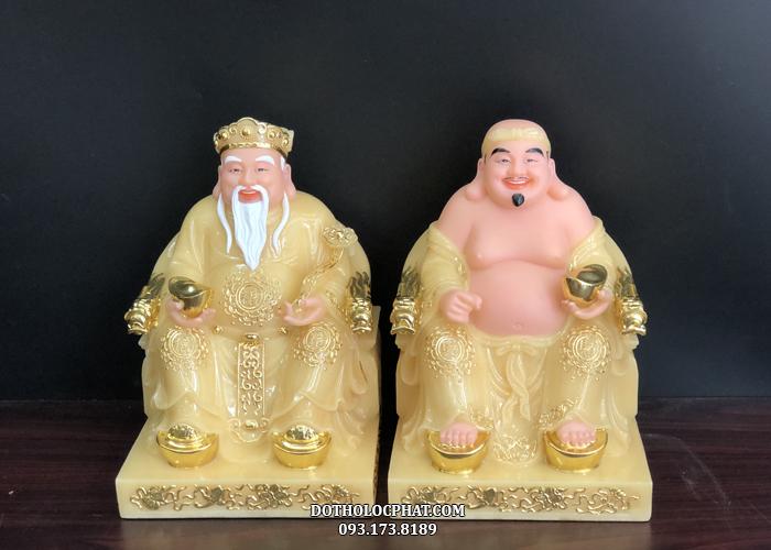 Tượng Ông Địa Thần Tài của Lộc Phát bằng đá thạch anh đế vuông dát vàng tươi vui, sống động mang đến niềm vui, may mắn, tiền tài và hạnh phúc cho gia chủ