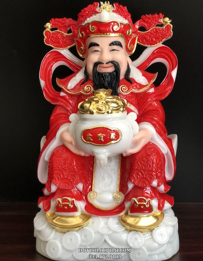 Thờ tượng Thần Tài đá đỏ có thần thái tươi vui, rạng rỡ chắc chắn sẽ mang lại nguồn năng lượng tốt, điềm lành, tài lộc cũng như may mắn đến cho gia đình