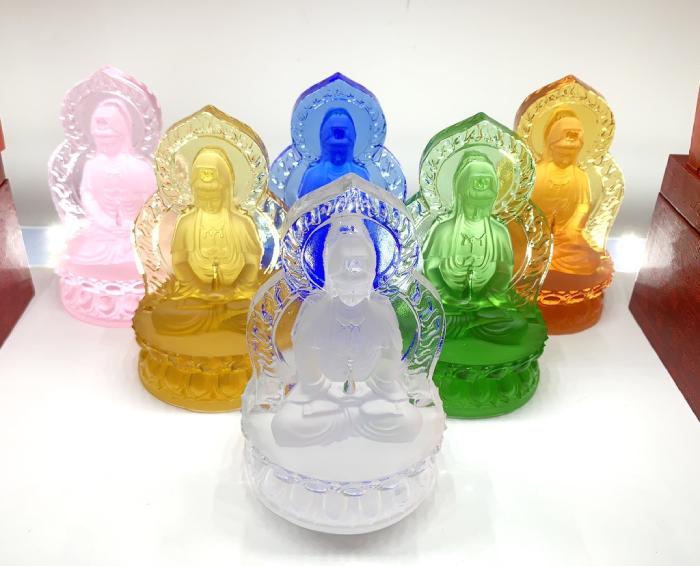 Tượng Phật Quan Âm lưu ly xanh lá để xe ô tô