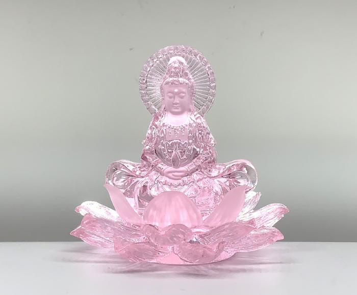 Tượng Quan Âm bằng lưu ly hồng hoa sen sau lưng có hào quang